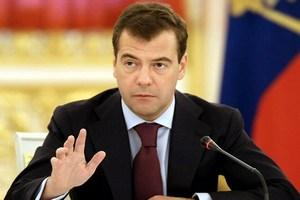 Медведев: РФ снимет продэмбарго после отмены западных санкций