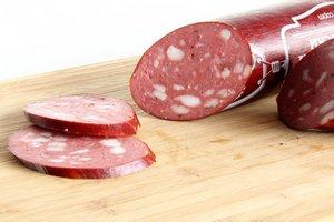 Более 100 кг опасной колбасы изъяли из оборота на Колыме