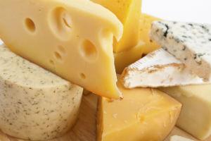 Россельхознадзор пояснил сообщение о доле фальсификата на рынке сыров
