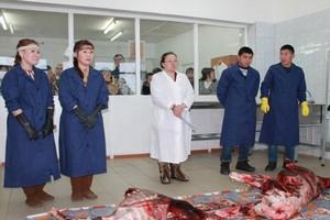 Иностранным гостям семинара по развитию оленеводства в Якутии показали мастер-классы