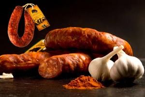 Иркутянин засудил мясокомбинат за мышь в колбасе