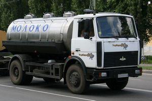 Росавтодор отказал молоковозам в льготном проезде по трассам
