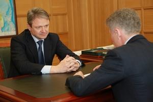 Александр Ткачев провел рабочую встречу с губернатором Сахалинской области Олегом Кожемяко