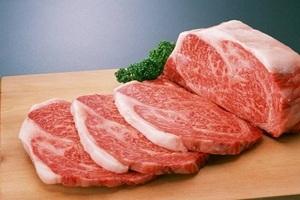 Почти 350 кг мяса без ветеринарных документов обнаружили в школьных столовых Саратовской области