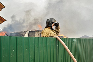 У алтайского фермера за одну ночь во время пожара задохнулись 200 свиней