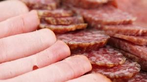 Союз производителей мяса вступился за колбасу