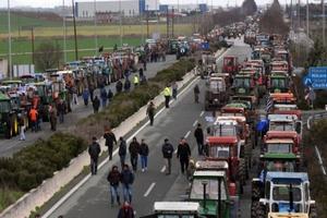 Греческие фермеры грозятся увеличить продолжительность блокад магистралей страны