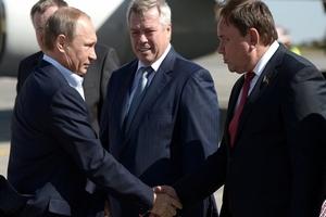 Путин на донских полях инспектирует ход уборки кукурузы и сев озимых