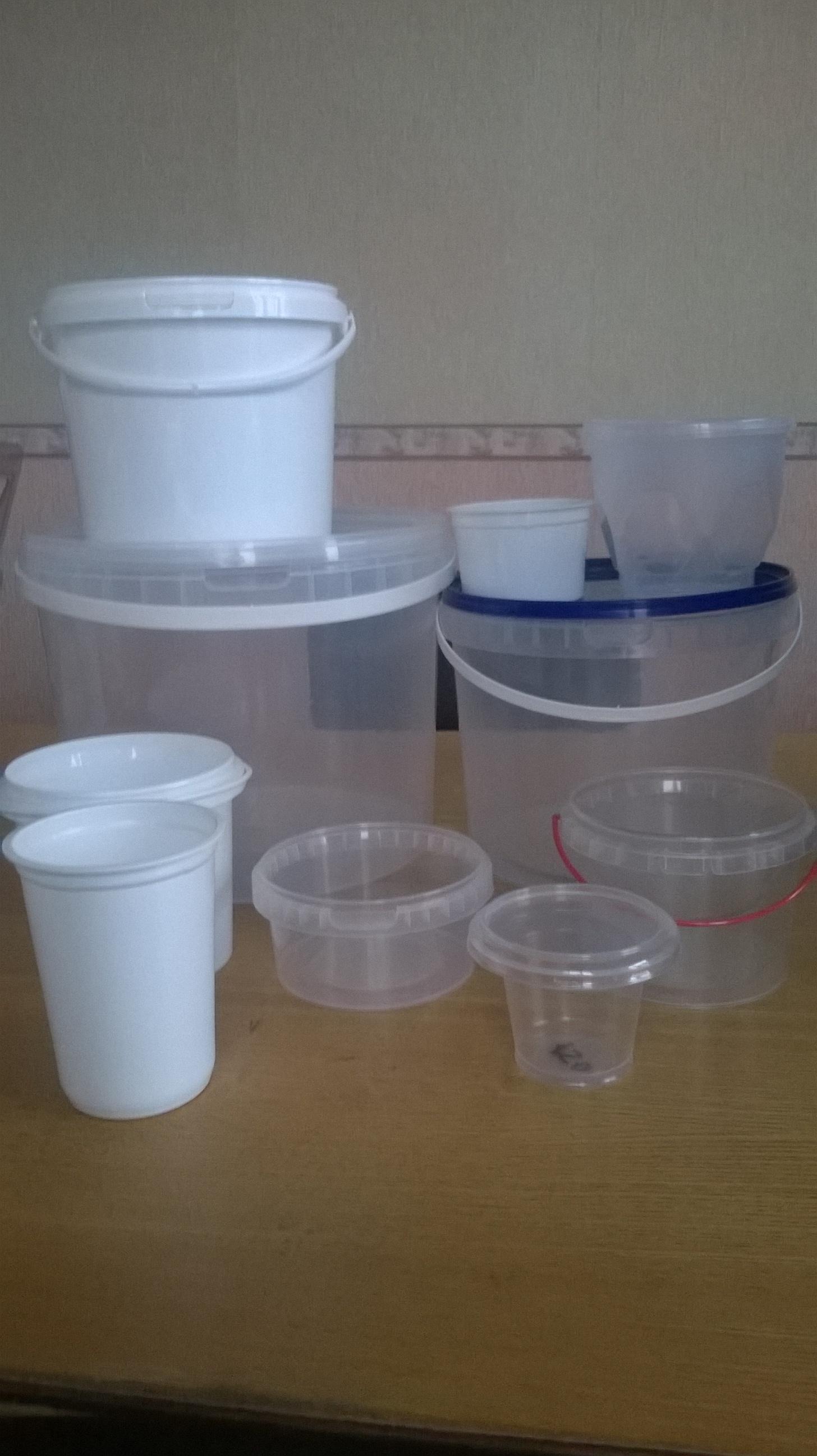 Предлагаю пластиковые пищевые ведра и стаканчики.