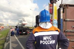 На трассе под Ульяновском загорелась фура с мясом