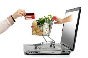 Таможенники разрешили заказывать санкционные продукты по интернету