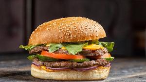 В бифштексы Маконалдс добавляют мраморную говядину Black Angus от «Мираторга»