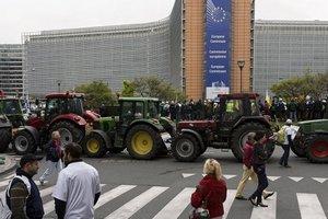 Аграрии в знак протеста разбили ферму у здания Совета ЕС в Брюсселе