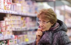 Минздрав увеличит количество молока и мяса в потребительской корзине пожилых людей
