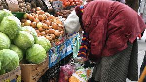 Неуверенность в завтрашней еде. Индекс потребительского доверия россиян стремится к минимумам