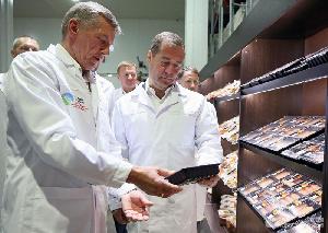 Медведев похвалил ассортимент Курского мясоперерабатывающего завода