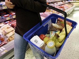 Правительство исключило запрет на продажу импортных продуктов в торговых сетях